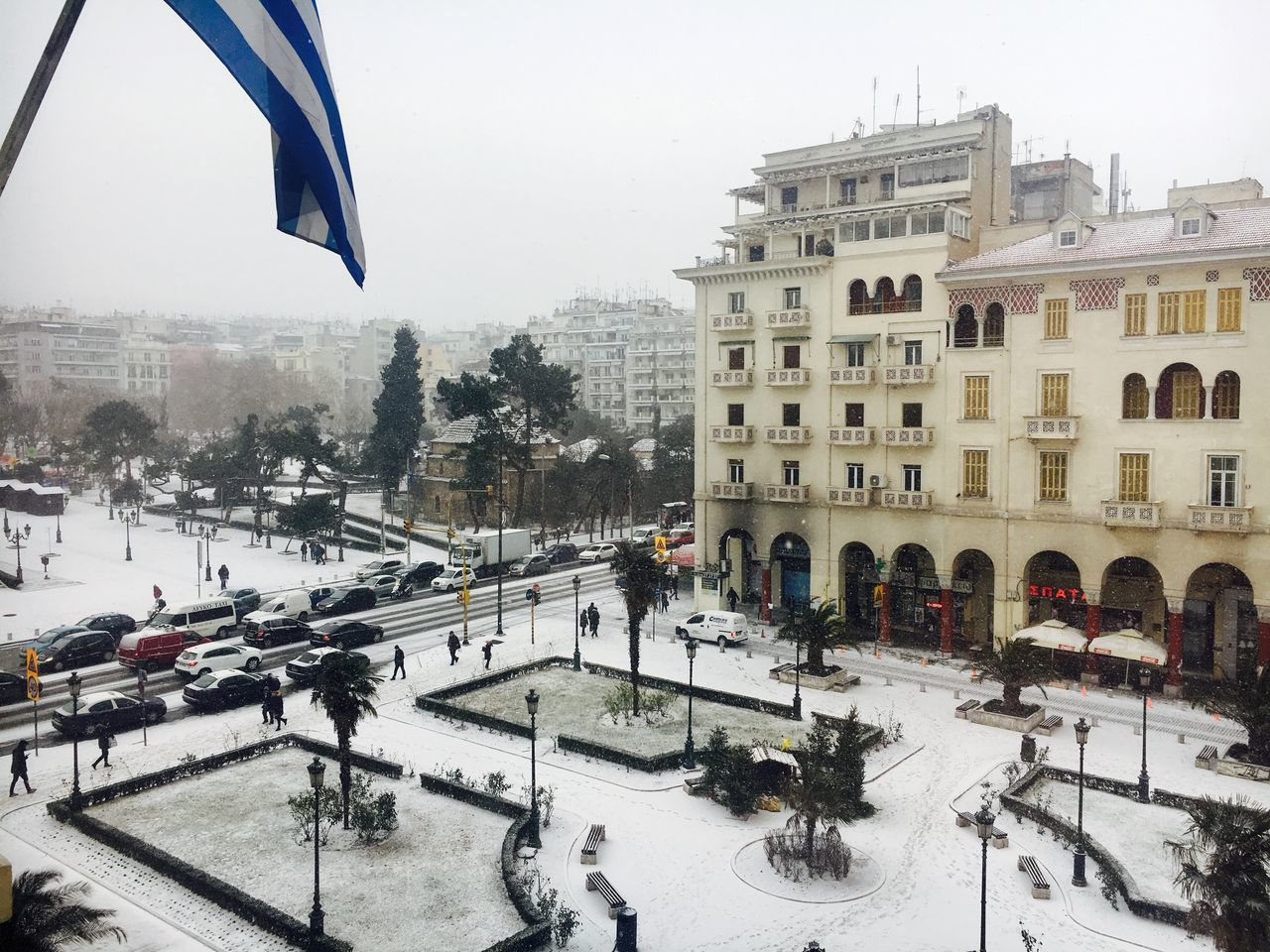 Thessaloniki, Greece snowfall at Aristotelous main square. Aristotelous Square City Cold Temperature Fall Of Snow Outdoors Snow Snow Day Snow Flakes Snow Landscape  Snow Scene  Snow White Snow ❄ Snowing Thessaloniki Thessaloniki Greece Weather