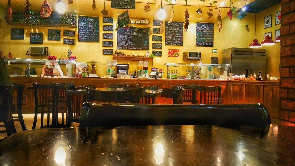 Restaurante Bar Counter Alcohol Indoors  Restaurants Dinner Time Happyhour Delicious Delicate Illuminated Beautiful Vibrant Color Bestoftheday Drink Happy Time Patanegra Tempranillo Picsofday Urbanexploration