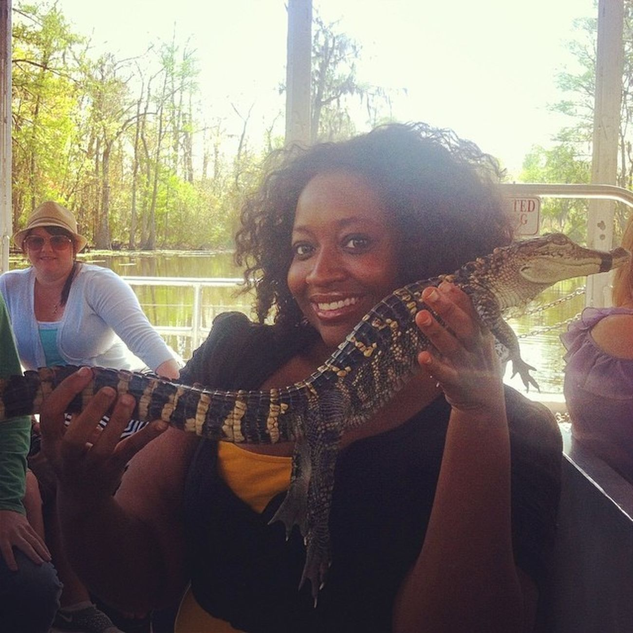 I can handle the babies!!! :-) Swamp_tour Gators Blessthechilrens !