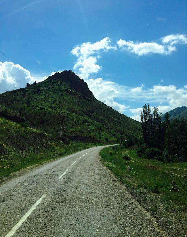 Sivas Divrigi Road Roadtrip Roadside Clouds And Sky Green Nature
