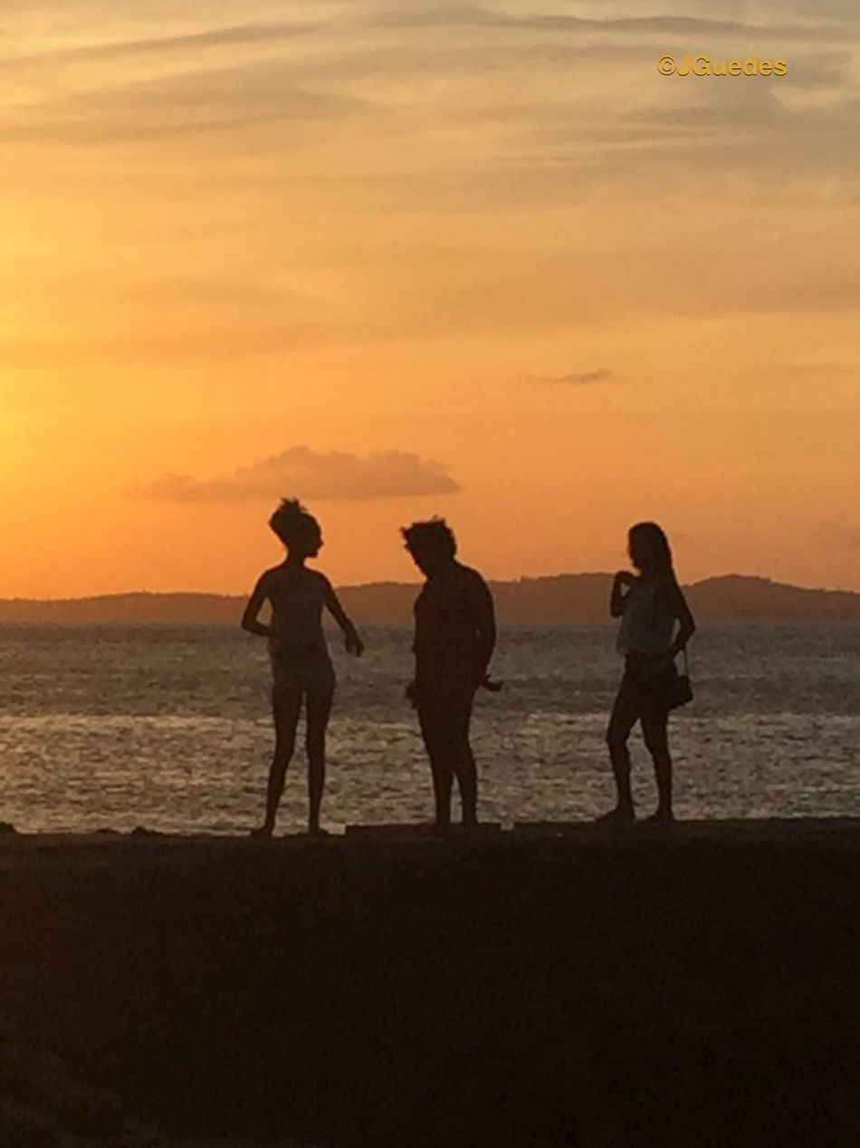 Três meninas do Brasil Three Brazilian Girls Bahia Brazil Silhouette_collection Afternoon Bahiadetodosossantos Sunset_collection Salvador Bahia Portodabarra Tropical Girl Power 43GoldenMoments