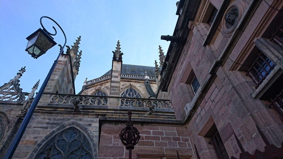 La cathédrale de Moulins, vue de la sacristie Building Exterior Architecture Outdoors Sky Built Structure City No People