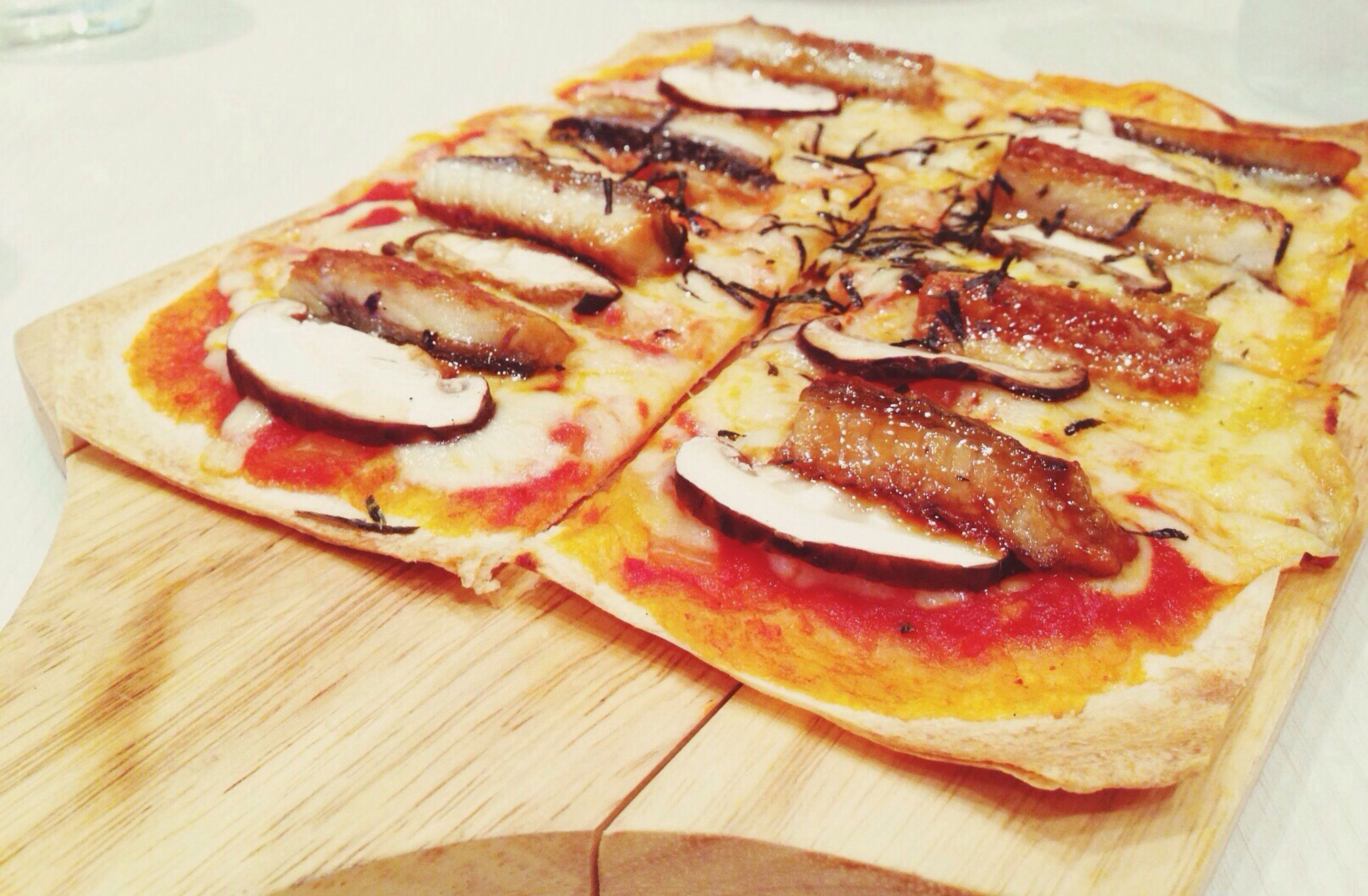 Unagi Pizza dinner