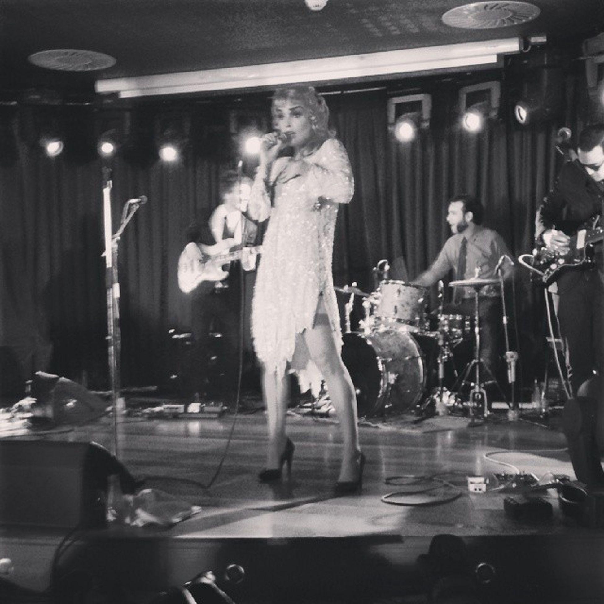 Sin palabras, un concierto brillante como ella. @vinilavonbismark Vinilavonbismark Guapisima Salaacapulco Gijón Casinodeasturias