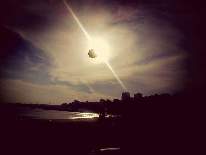 Fromwhereistand Beach ball eclipse. Uma tarde de trabalho na praia :-)