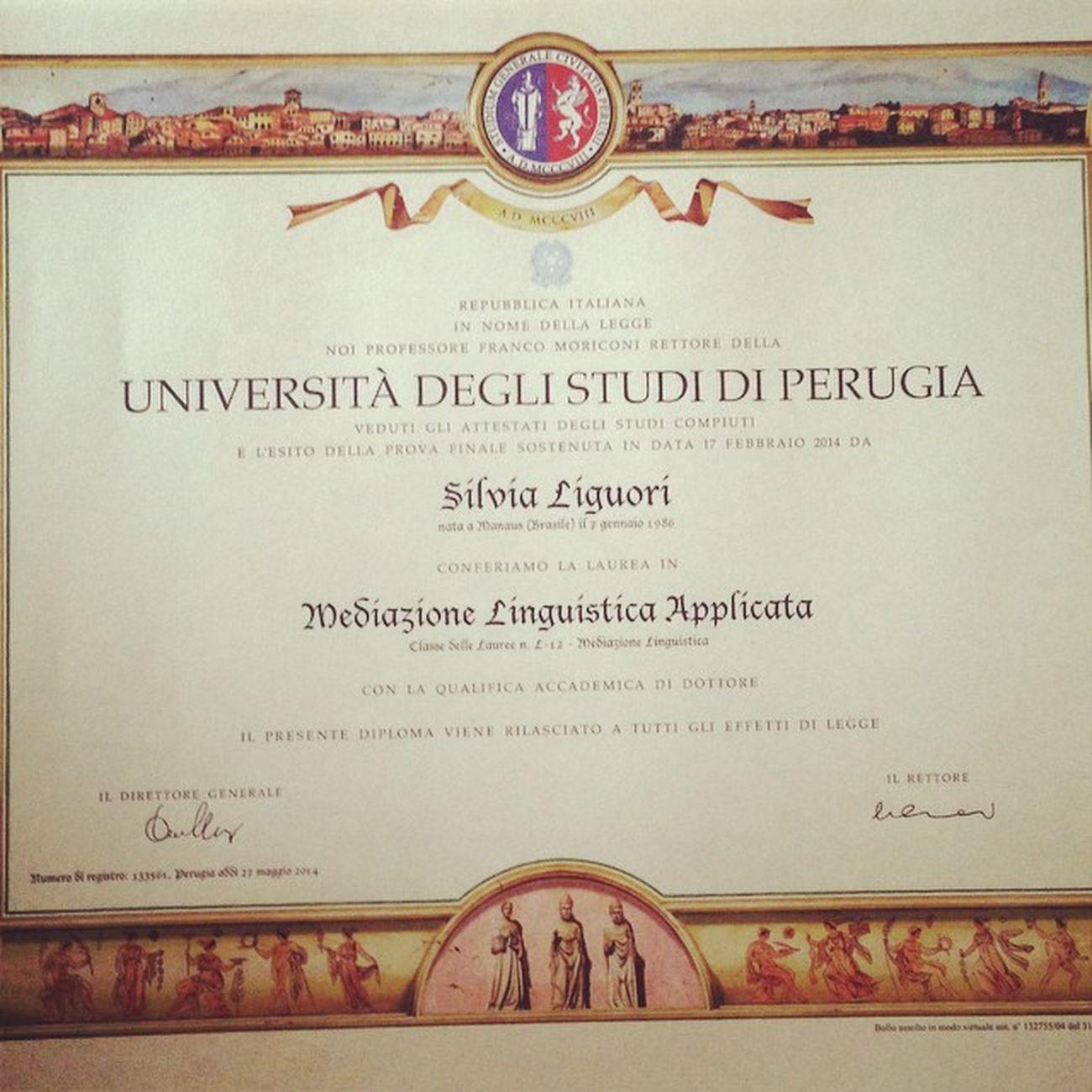 Pergamenadilaurea Pergamena Laurea Febbraio2014 soddisfazioni dottoressa me degree università graduation triennale unipg dopo 7 mesi è arrivato il sospirato pezzo di carta... 📜🔖
