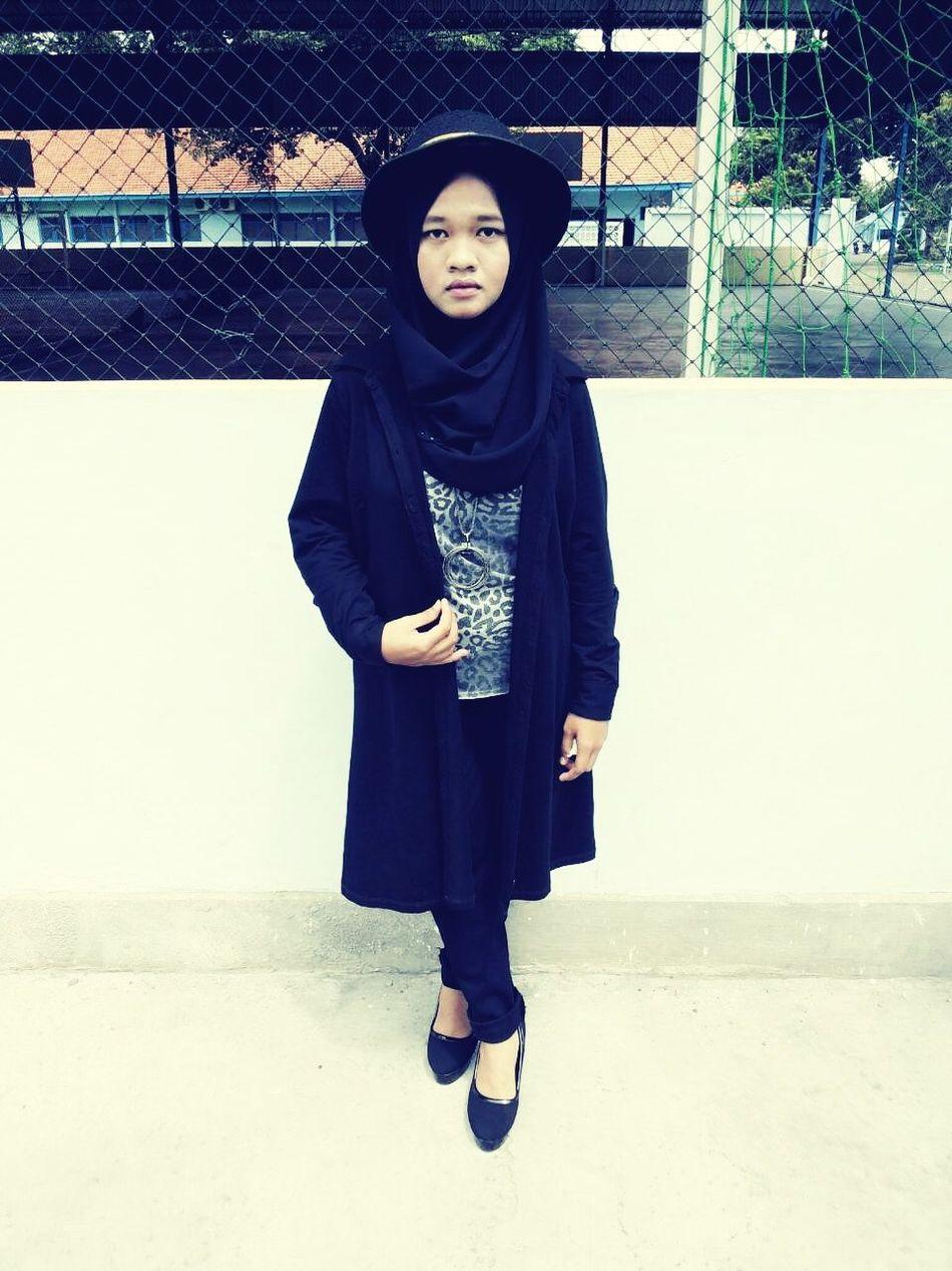 Enjoying Life Ootd ✌ Hello World That's Me Hijab Rocker Fashion Beautiful Day