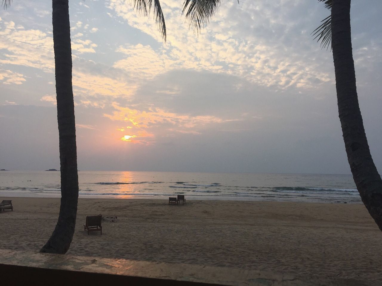 Tioman Tioman Island Island Malaysia Best Beach Places To See Before You Die Beauty In Nature Nature Beach Photography Sunset Sky Sunset On The Beach Sunset Over The Sea Sky And Clouds Sunset And Clouds  Sunset Over The Ocean Ocean Ocean View Tropical Paradise Paradise