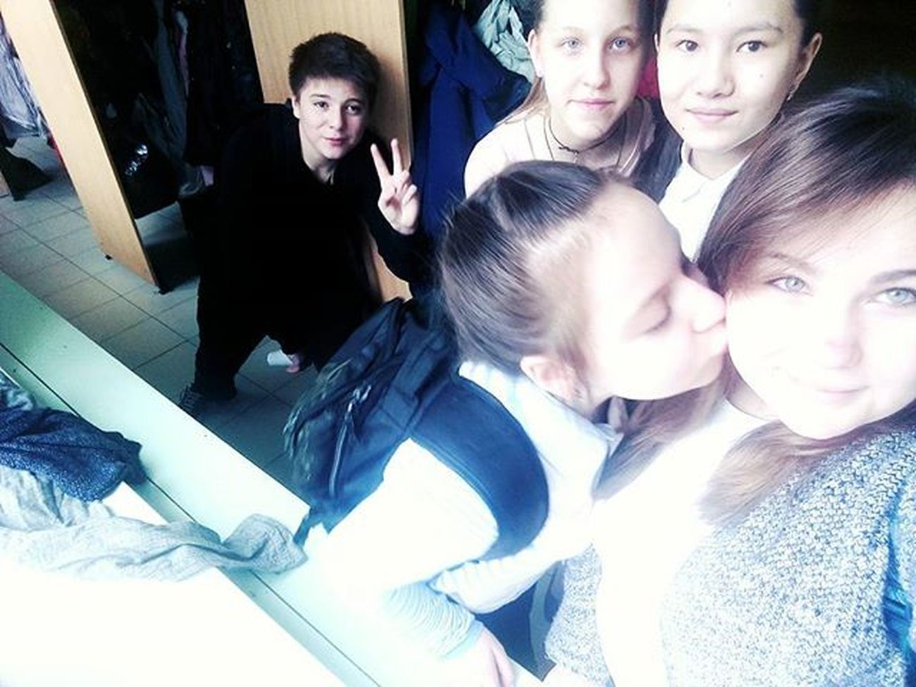 School Friends Mygirls Somebody Lesen Funny Kiss Tagsforlikes Followforfollow Like4like A LOL Likeforlike Школа подруги какойтопарень поцелуйчики 😚 лайкничекакнеродная