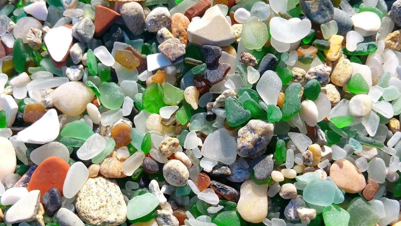 stone - object, pebble, gemstone, jewelry, large group of objects, full frame, precious gem, no people, abundance, backgrounds, close-up, crystal, day, indoors, nature