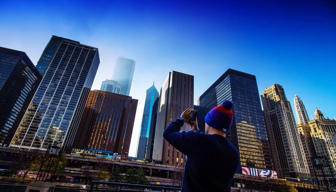 Me in Chicago. Self Portrait Chicago Illinois USA Skyline Riverside Photographing Iphone7 Skyscraper Building Exterior City Architecture Built Structure Urban Skyline Financial District  One Person Clear Sky Modern Wide Angle High Definition Blue Photography Eye4photography  Daylight Cubs