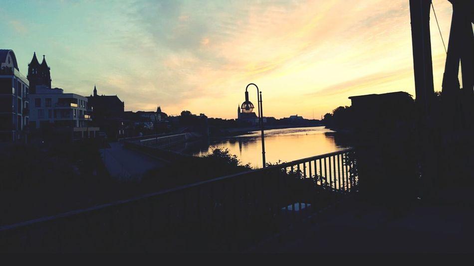 Magdeburg Hubbrücke 🚢 🌞sunrise Sunrise_sunsets_aroundworld Saxony Anhalt Sachsen-Anhalt Magdeburg Beauty In Nature Outdoors Magdeburger Brücke Magdeburg Elbe