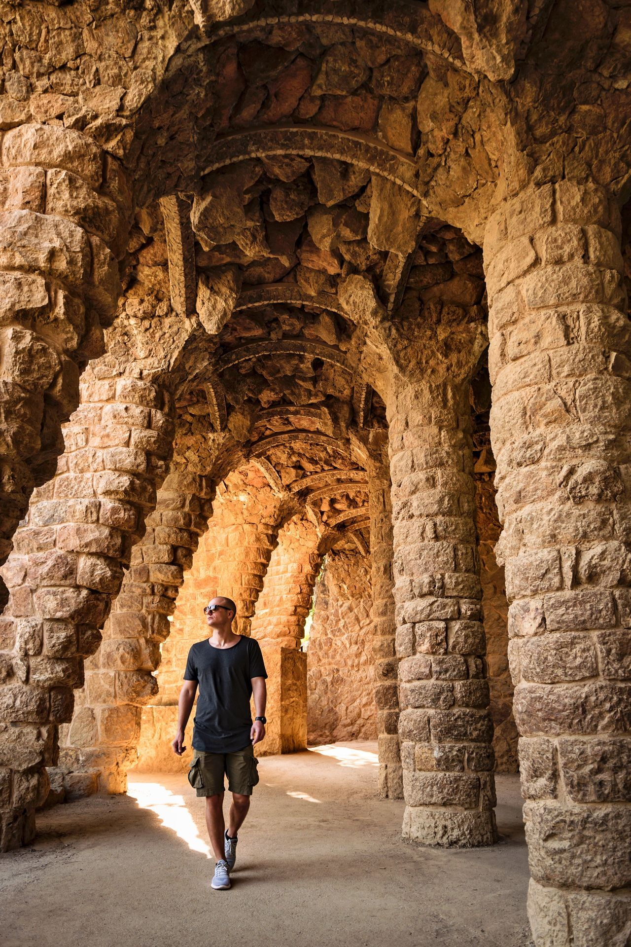 Full Length Arch Adult One Person Walking Adults Only One Man Only History Only Men People Day Indoors  Park Barcelona SPAIN EyeEm Best Shots EyeEm Nature Lover EyeEm Gallery EyeEmNewHere Portrait Travel Live For The Story Man Walking Around The Street Photographer - 2017 EyeEm Awards