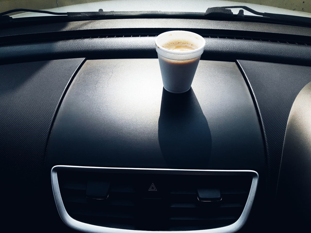 Nothing better than an early morning breakfast from my favourite food spot..... And then driving back with a cup of fresh, milky, sweet tea... I so love their tea 😋 InMakin! Tea Latte Car Driving PhonePhotography Leisure Activity Randomness