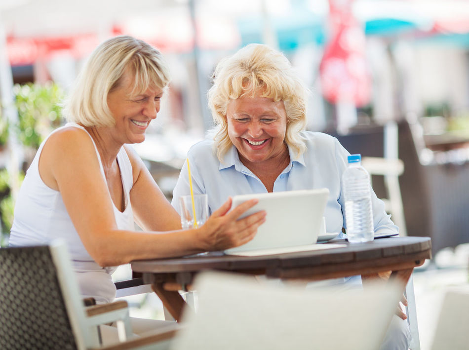 Beautiful stock photos of freunde, communication, digital tablet, two people, smiling