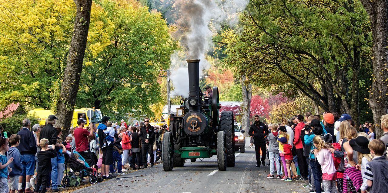 Arrowtown Arrowtown Autumn Festival Arrowtownnz Crowd Festival New Zealand Steam Engine Tourism Traction Engine