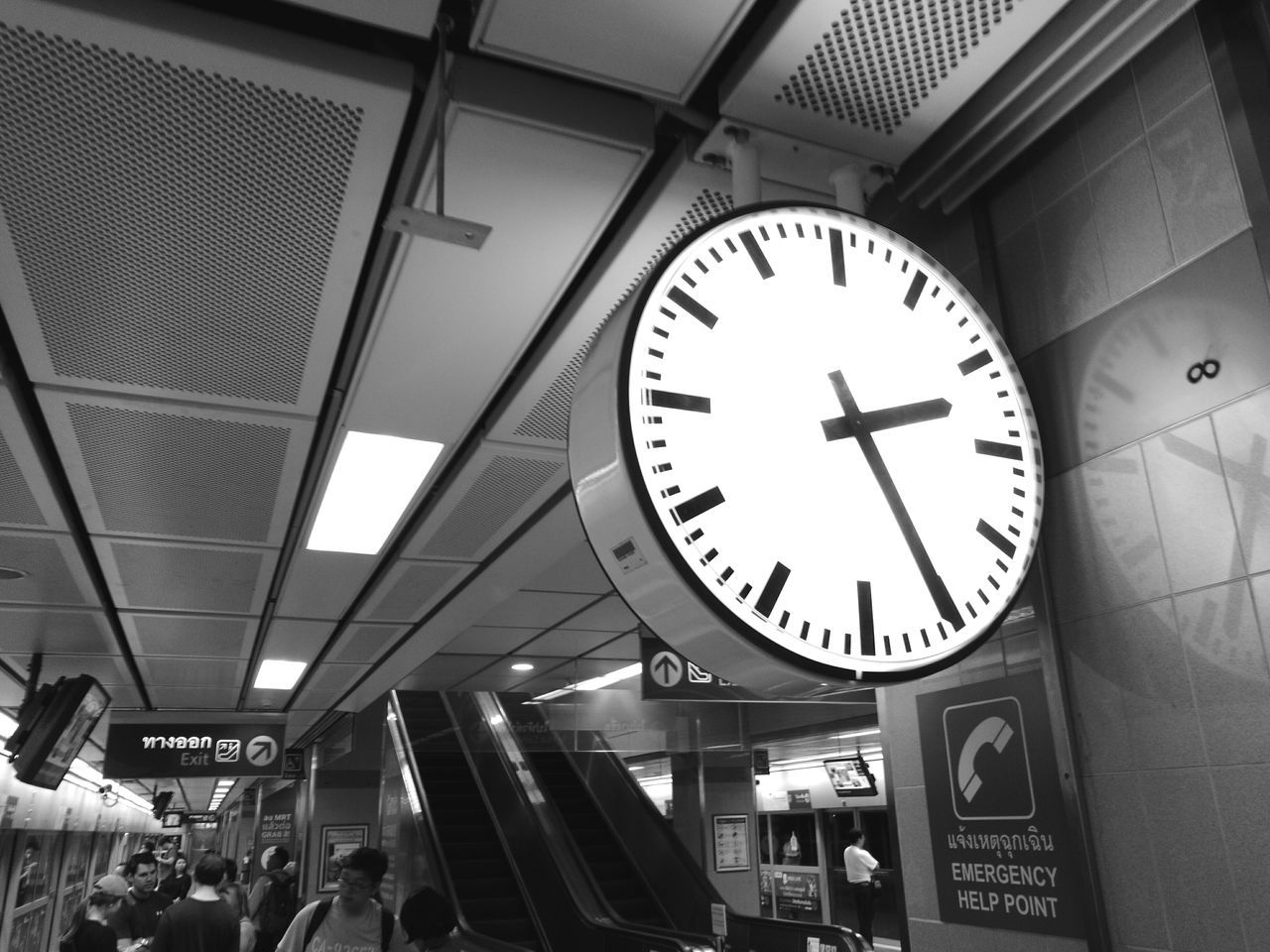 Clock Railroad Station Railroad Station Platform Minute Hand Clock Face Blackandwhite Monochrome Black And White Monochrome Photography Outdoors Time Low Angle View Day City Moments Of Life HuaweiP9 Leica Black And White