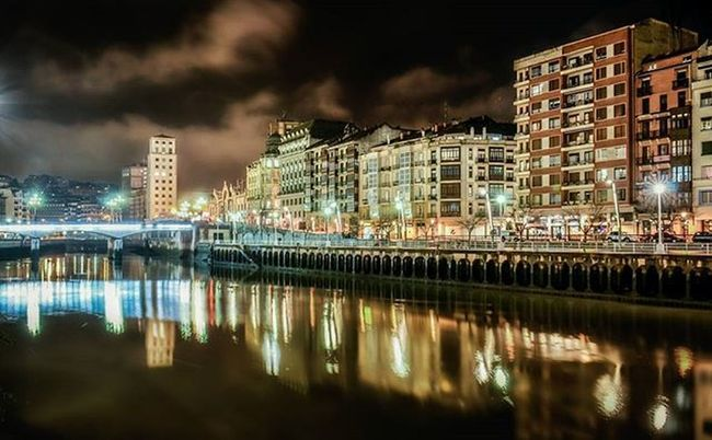 Bilbao Bizkaia Euskadi Streetphotography Longexposure Night Lights Architecture Verybilbao Bilbosoul Bilbosoulchallenge Ilovebilbao Total_euskadi Estaes_paisvasco Loves_euskadi Lagildadelnorte Bilbaoclick Euskalive Estaes_de_todo Estaes_euskadi Turismo_euskadi Total_city Total_night Ok_spain Thebestoftheday igersbilbao igersbizkaia igerseuskadi igersspainigerseurope