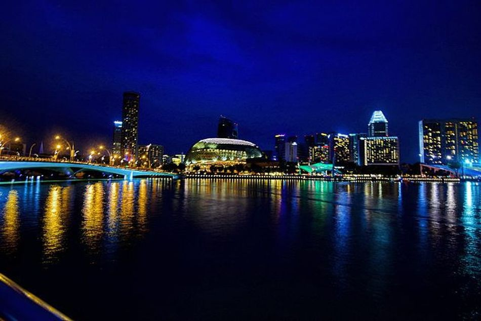 Blue Sky Bluesky Hipaae Singapore2015 Singapore Streetphotography Glamcity Cityscape Nightlights