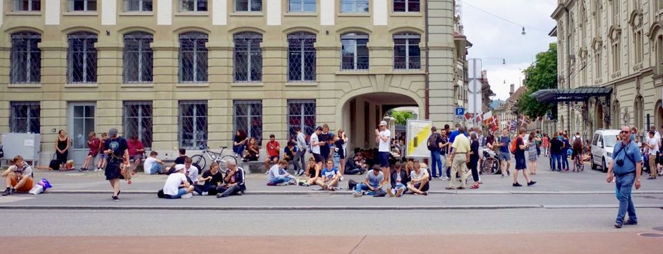 pokemon go hunting people Bern Building Exterior Casinoplatz Check This Out City Street Documentary Photography EyeEm EyeEm Gallery From My Point Of View Large Group Of People Leisure Activity Mixed Age Range Pokemon Go PokemonGo PokemonGohuntingpeople Pokémon Ricoh Gr Tourism Augmented Reality