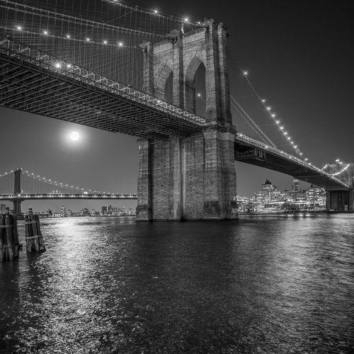 Supermoon and the Brooklyn bridge Landscape Night Brooklyn Bridge / New York NYC Bnw Blackandwhite Moon Full Moon Supermoon Architecture Water