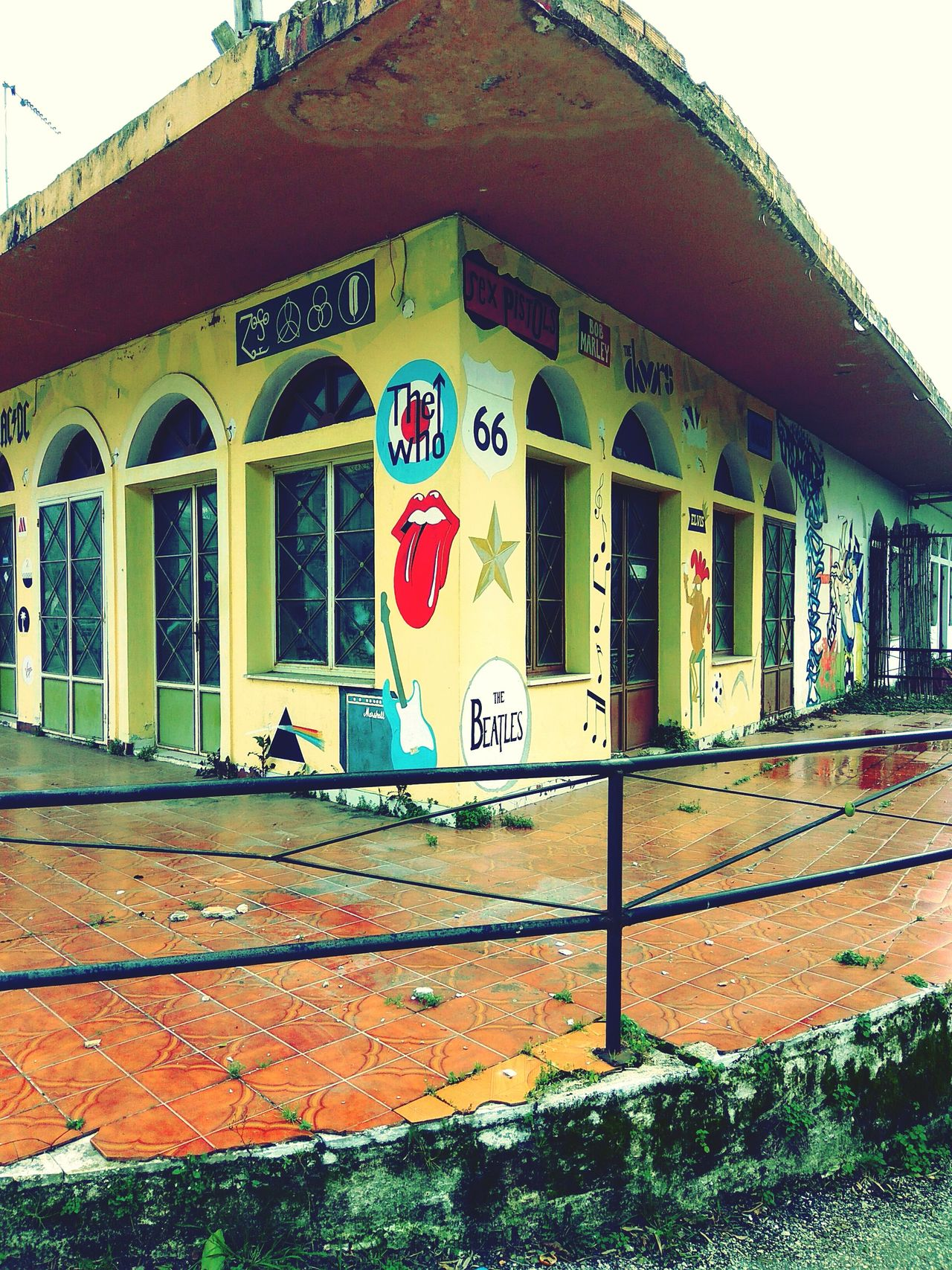 Built Structure Architecture Building Exterior Day Outdoors No People Bandswelove Music Photography  Magnificent Buildings Oldhouse Alternative Vintage❤ Streetart/graffiti