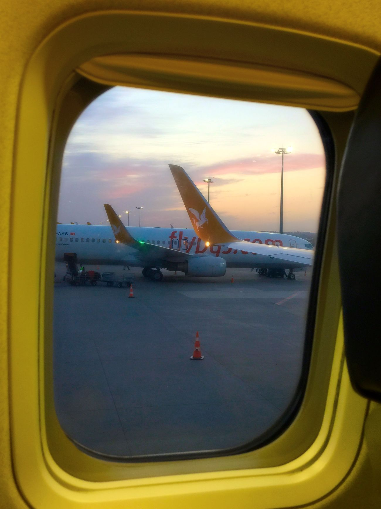 Sabihagökçenhavalimanı Istanbuldayasam Istanbul #turkiye Ucak Plane Flying Airport