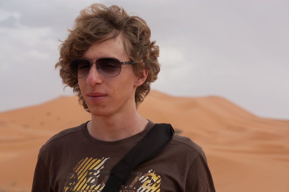 Beautiful stock photos of desert, Brown Hair, Casual Clothing, Caucasian Ethnicity, Day