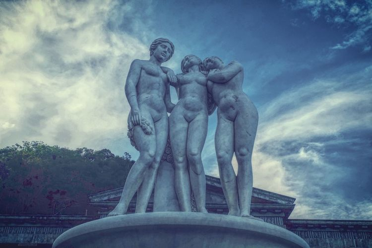 Be real. Be you. Be Naked. EyeEm Diversity Sculpture Statue Cloud - Sky Architecture Fountain Sky City Travel Destinations Built Structure Outdoors Water No People Blue Cityscape Day Greek Mythology Greek Nakedisnormal Nude_model Nudeshoot Nudephotosession Nudeartphotography Temple Architecture Temple