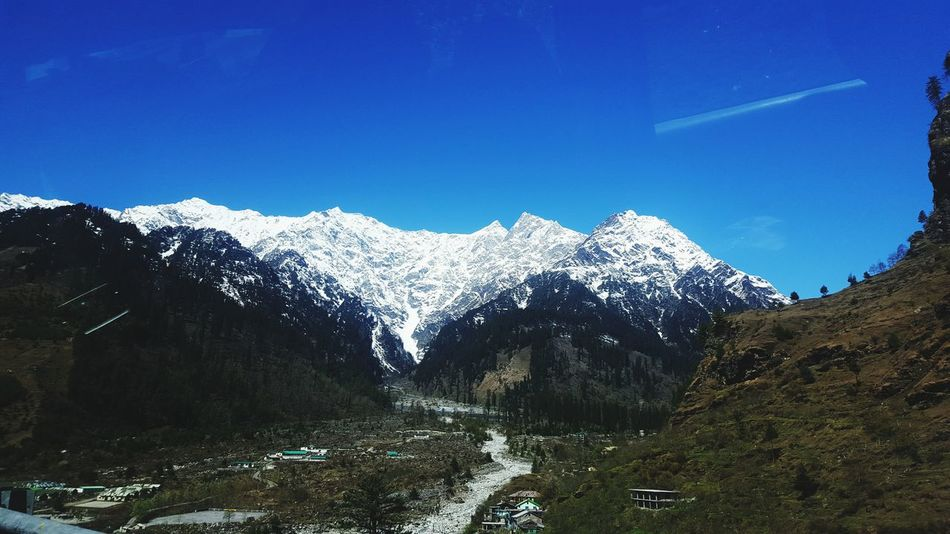 Adventure Manali Snow Mountain Mountain Range Nature Day Winter Vacations Outdoors Beauty In Nature Sky Tree Incredibleindia First Eyeem Photo The Great Outdoors - 2017 EyeEm Awards Travel Diaries North India Snow Love The Photojournalist - 2017 EyeEm Awards