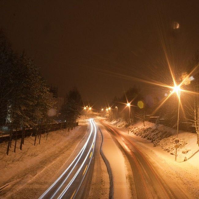 Ilovenorway Ilovenorway_akershus Follo   ås worldunion wu_norway winter frost ig_week ig_week_winter ig_world ig_norway traffic trafikk cars lights long_exposure canon eos 400d