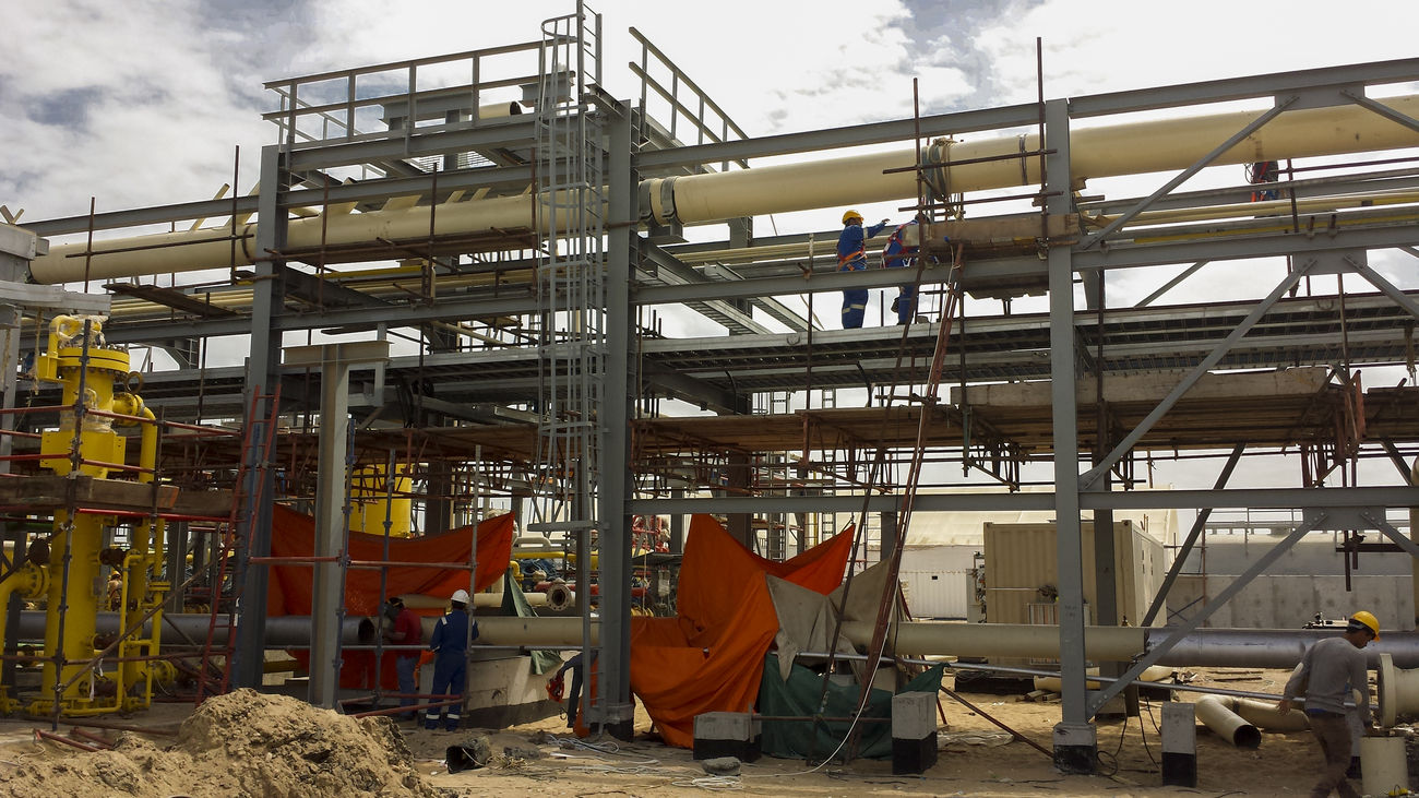 Construction of Gas Plant Activity Business Business Finance And Industry Construction Day Desert Development Egypt Energy Facilities Facility Gas Joint Venture Oil Oil And Gas Pipe Pipework Project