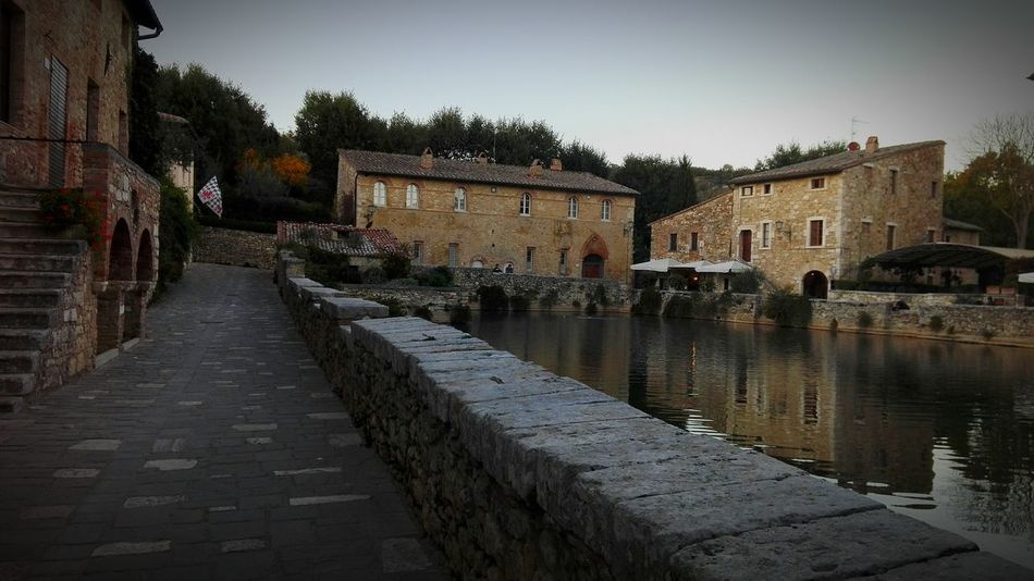 Bagnovignoni Water Reflection Architecture And Art Bellezzeitaliane Hello World Happy Beautiful Toscana Tuscany Beautıful Outdoors Travel
