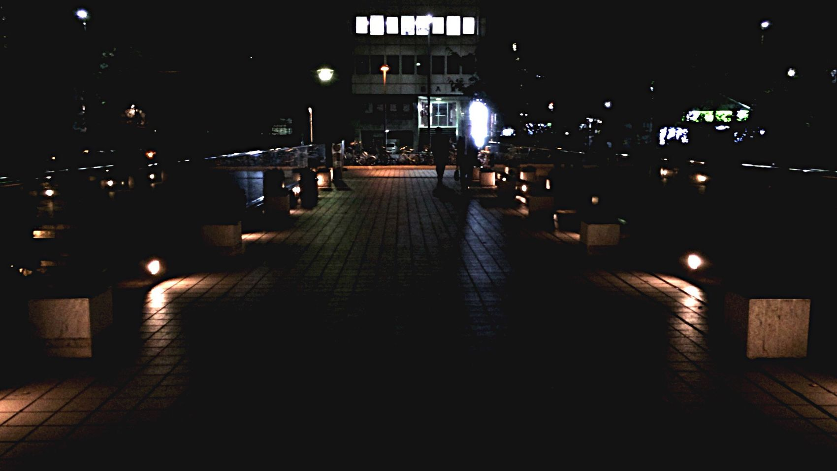 Streamzoo Streamzoofamily Taking Photos Streetphotography Nightphotography 🚶🏻🚶🏻🚶🏻🚶🏻😌✋🏻🎵