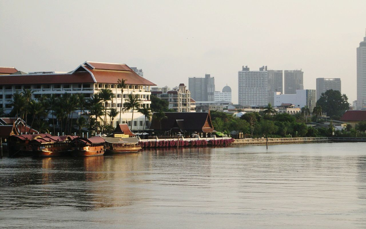 Silhouettes Of A City ,Enjoy The River, Enjoying The View Photo Of The Day.r Taking Photos EyeEm Thailand .
