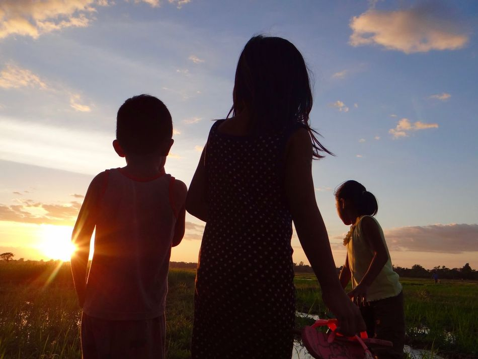 Brother Cheerful Child Childhood Family Friendship Happiness Leisure Activity Love Outline People Philippines ❤️ Playing Real People Shadow And Light Sunset Togetherness
