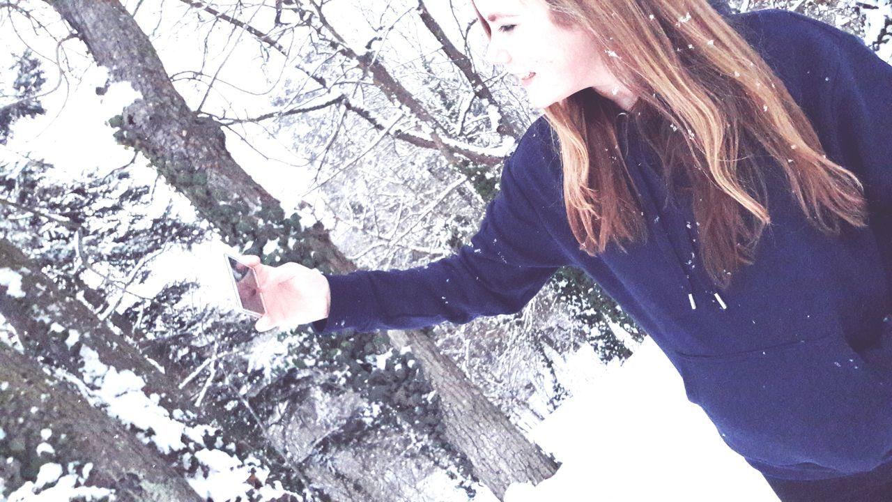 My best friend❤One Person Cold Temperature Only Women Snow Winter Austria Followme EyeEm Best Shots EyeEm Gallery EyeEm Best Edits Teenager Selfies Selfietime Selfıe My Best Friend
