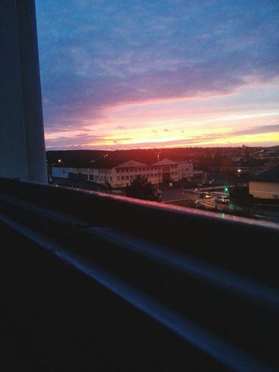 vu de la fenêtre 👌oklm Puissant My House ~~ Sunset Enjoying Life Chill Friends Me Photography Photoshop