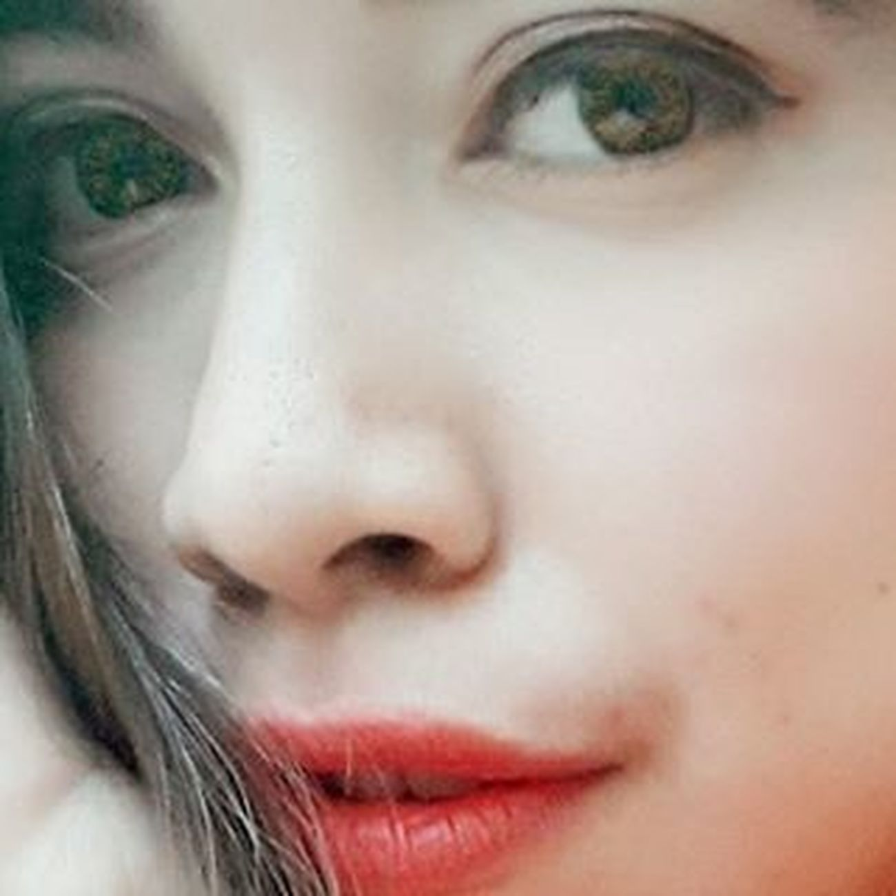 Big eyes n redlips 💋 EyeEm Eyeemphoto Ourselfieworld Selfie Bigeyes Redlips Lovely Loveit Helloworld Enjoyinglife  Instagram Like4like Likes