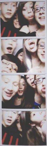 Retarded Dysfunctional Bestfriends Photobooth