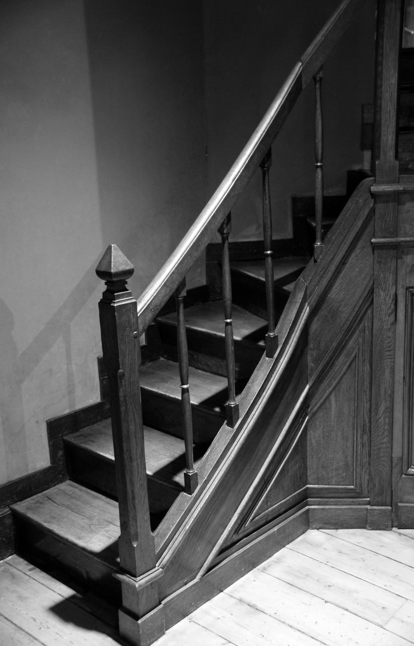 staircase, steps and staircases, steps, railing, spiral stairs, architecture, stairs, built structure, indoors, spiral, hand rail, no people, wood - material, home interior, spiral staircase, day