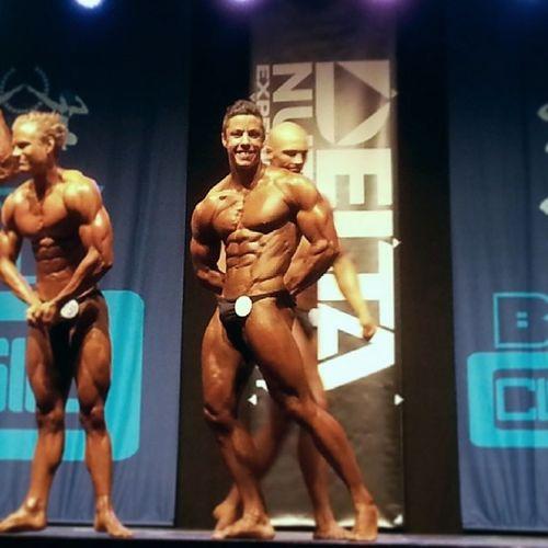 Nu har man för andra gången varit på en bodybuilding tävling och fått en klar inblick om hur det går till. Oerhört intressant och rolig resa. Ett stoooort grattis till @mannathlete som kom 3:a, en oerhört bra och välförtjänt placering. You did good...super proud of you. CBB Bodyclassic Bodybuilding Classicbodybuilding sweden solna solnahallen