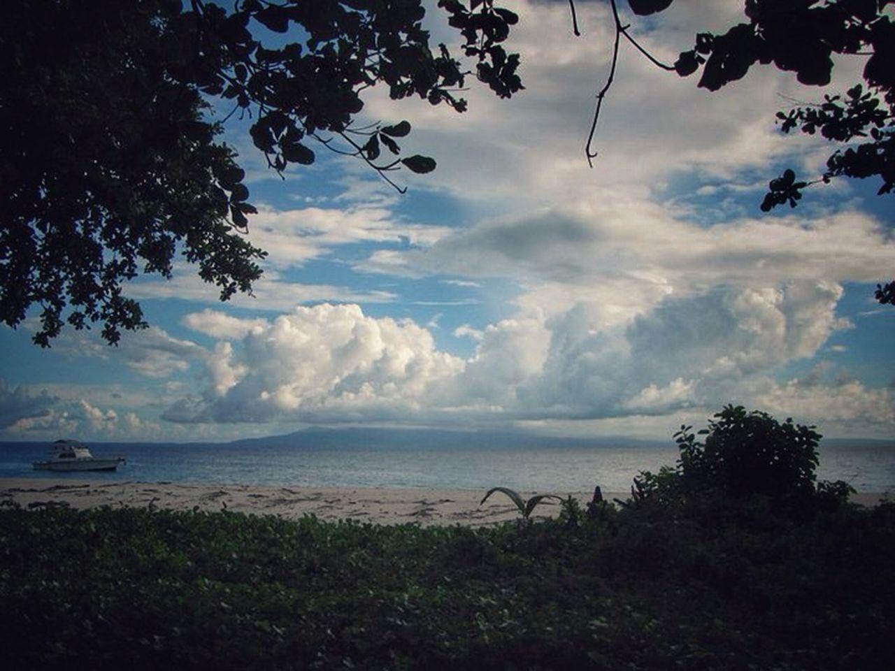 Deli Nature Sea Iphonephotography Blackdrawing Iphonesia Iphoneonly EyeEm Naturelovers Taking Photos Beach