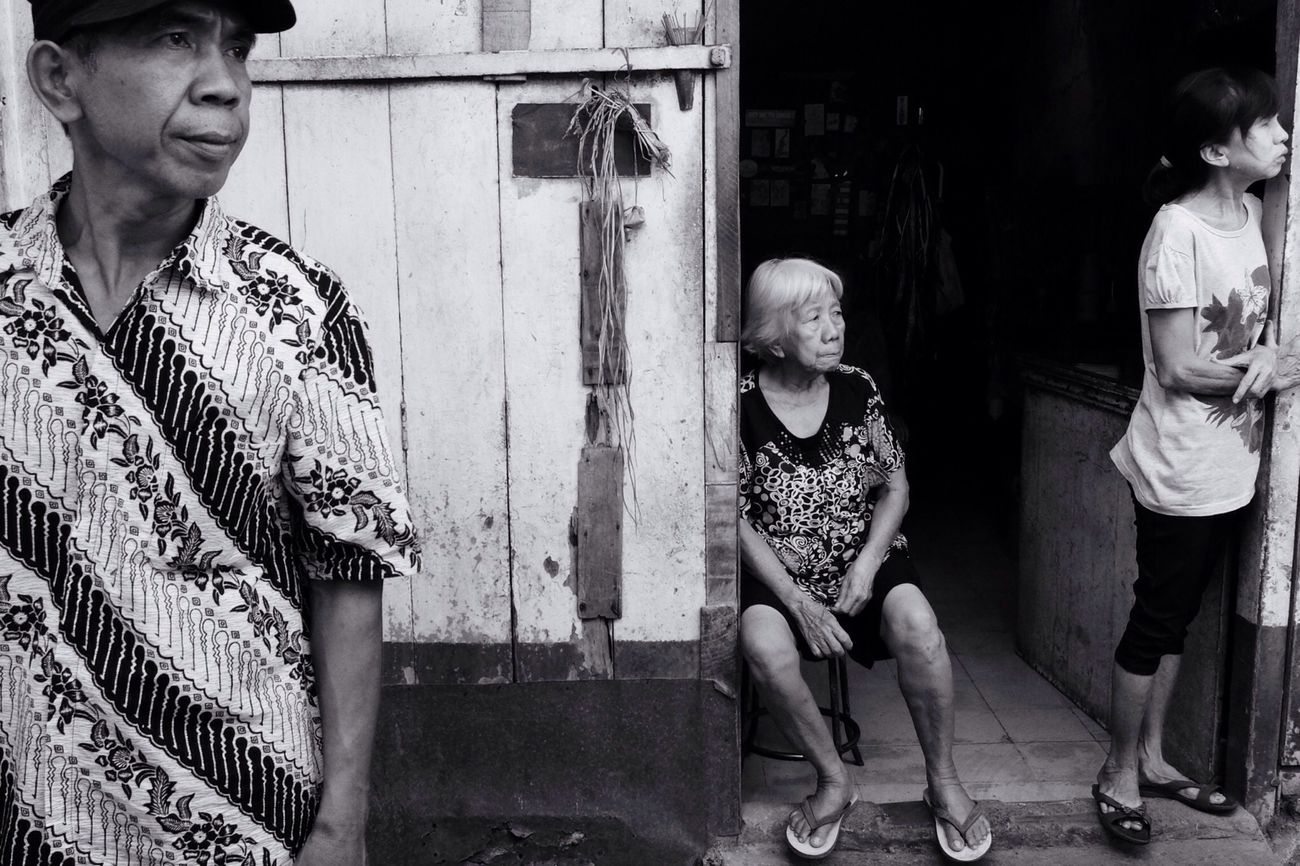 looking at something. Pasar Lama Tangerang FujiFilm X20
