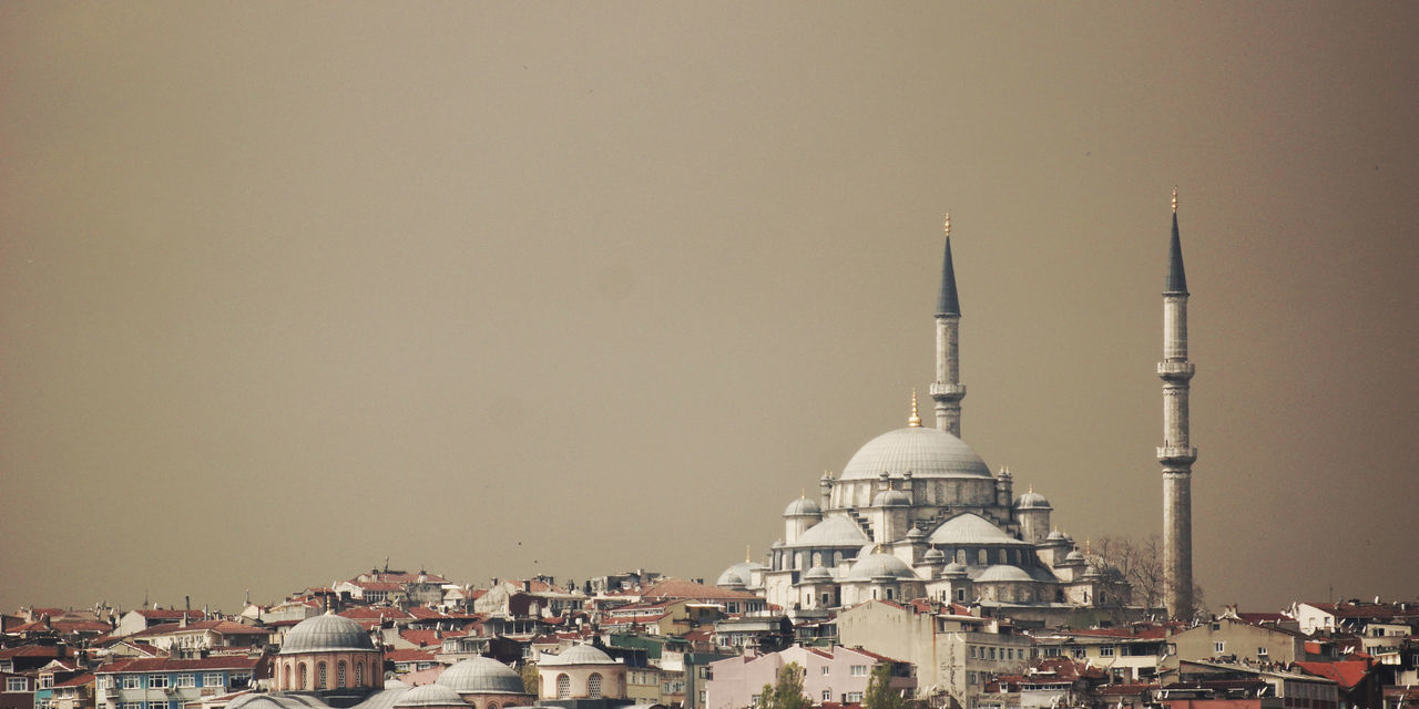 Istanbul Skyline Architecture Building Exterior Built Structure City Cityscape Cloudy Day Dome Houses Islam Islamic Architecture Istanbul Minaret Mosque No People Outdoors Overcast Place Of Worship Religion Sky Skyline Spirituality Travel Travel Destinations Turkey