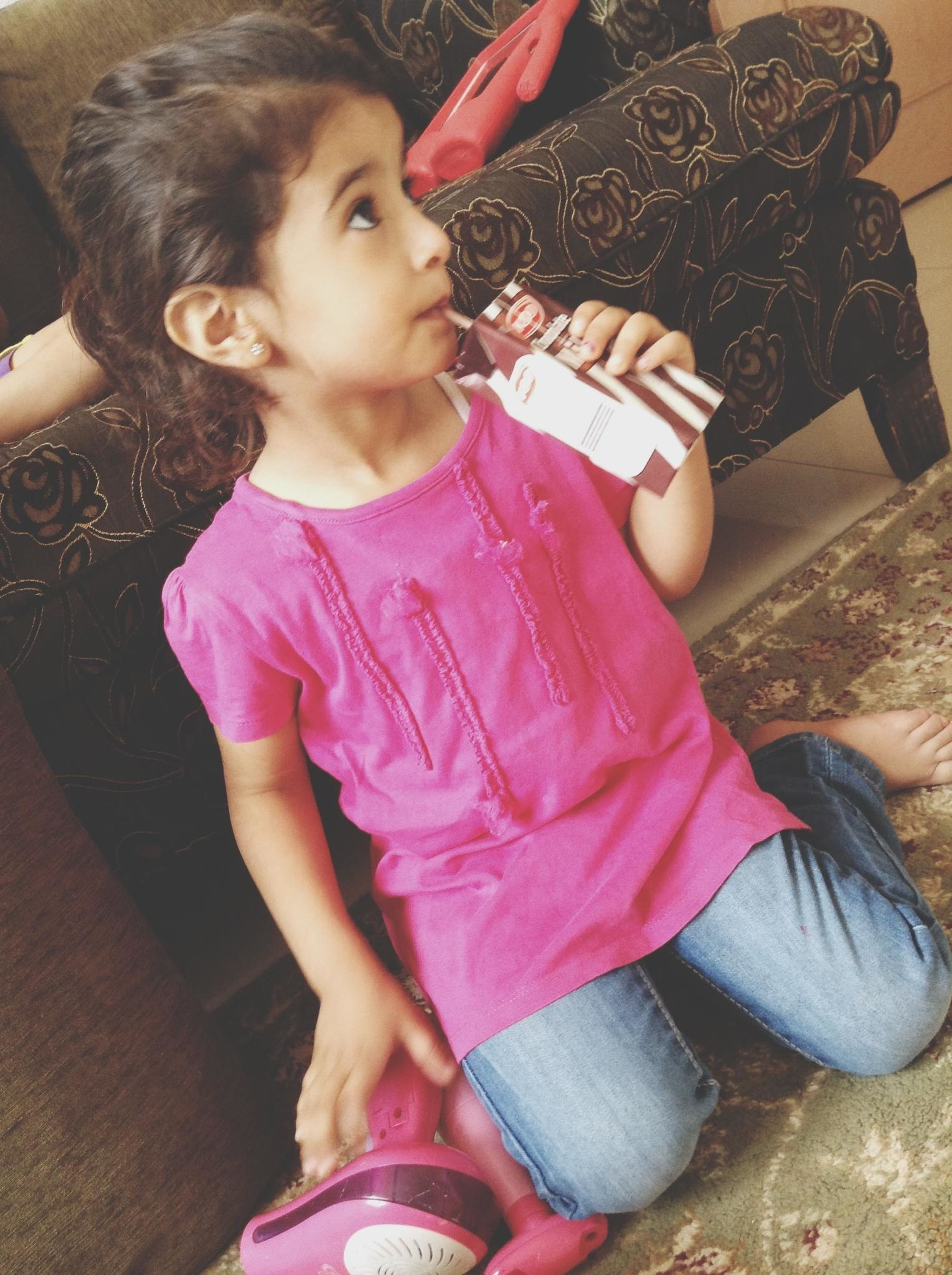 casual clothing, person, lifestyles, childhood, leisure activity, elementary age, girls, sitting, front view, innocence, cute, high angle view, indoors, three quarter length, full length, togetherness, boys