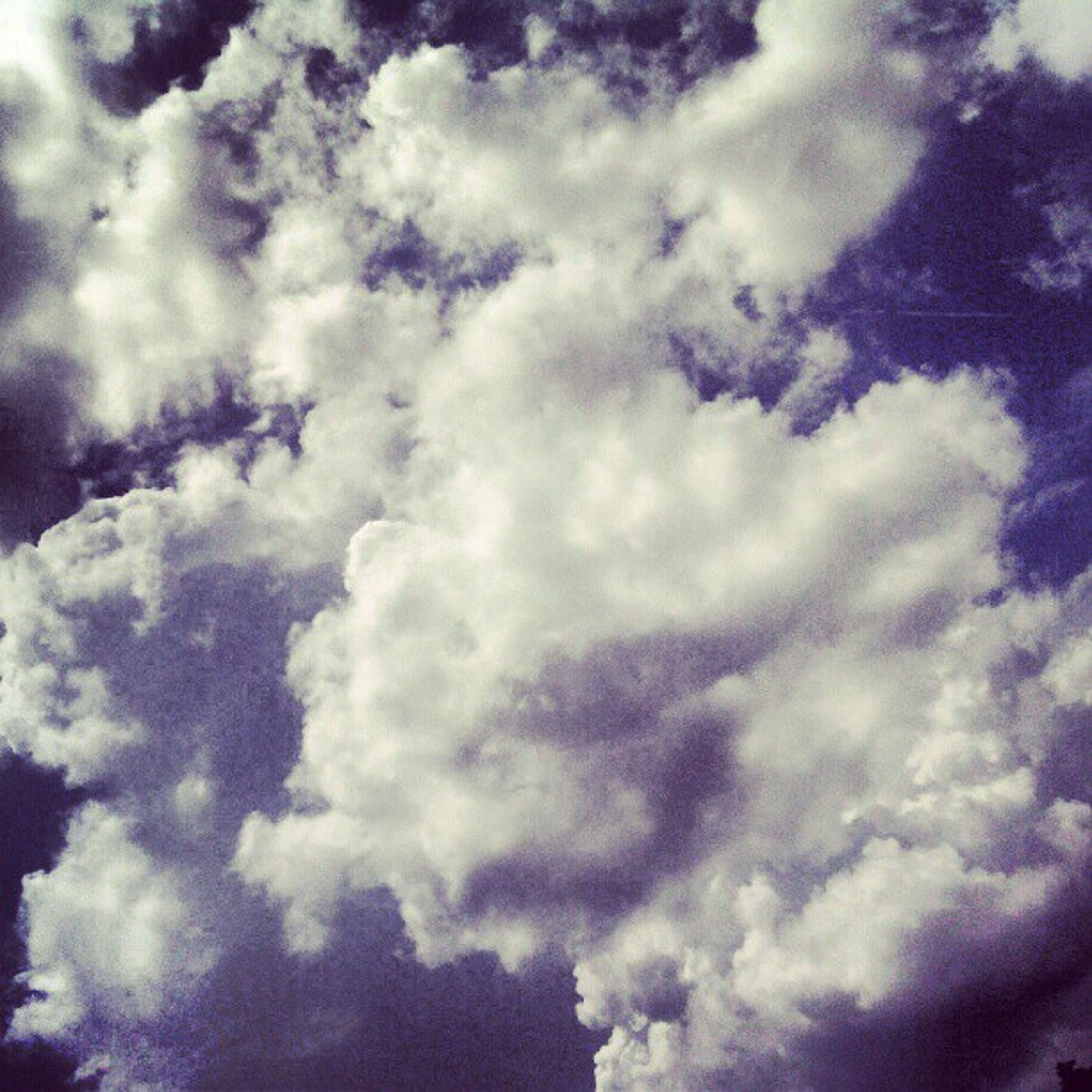 sky, cloud - sky, low angle view, sky only, cloudy, beauty in nature, backgrounds, cloudscape, tranquility, full frame, nature, scenics, tranquil scene, cloud, weather, blue, idyllic, white color, outdoors, majestic