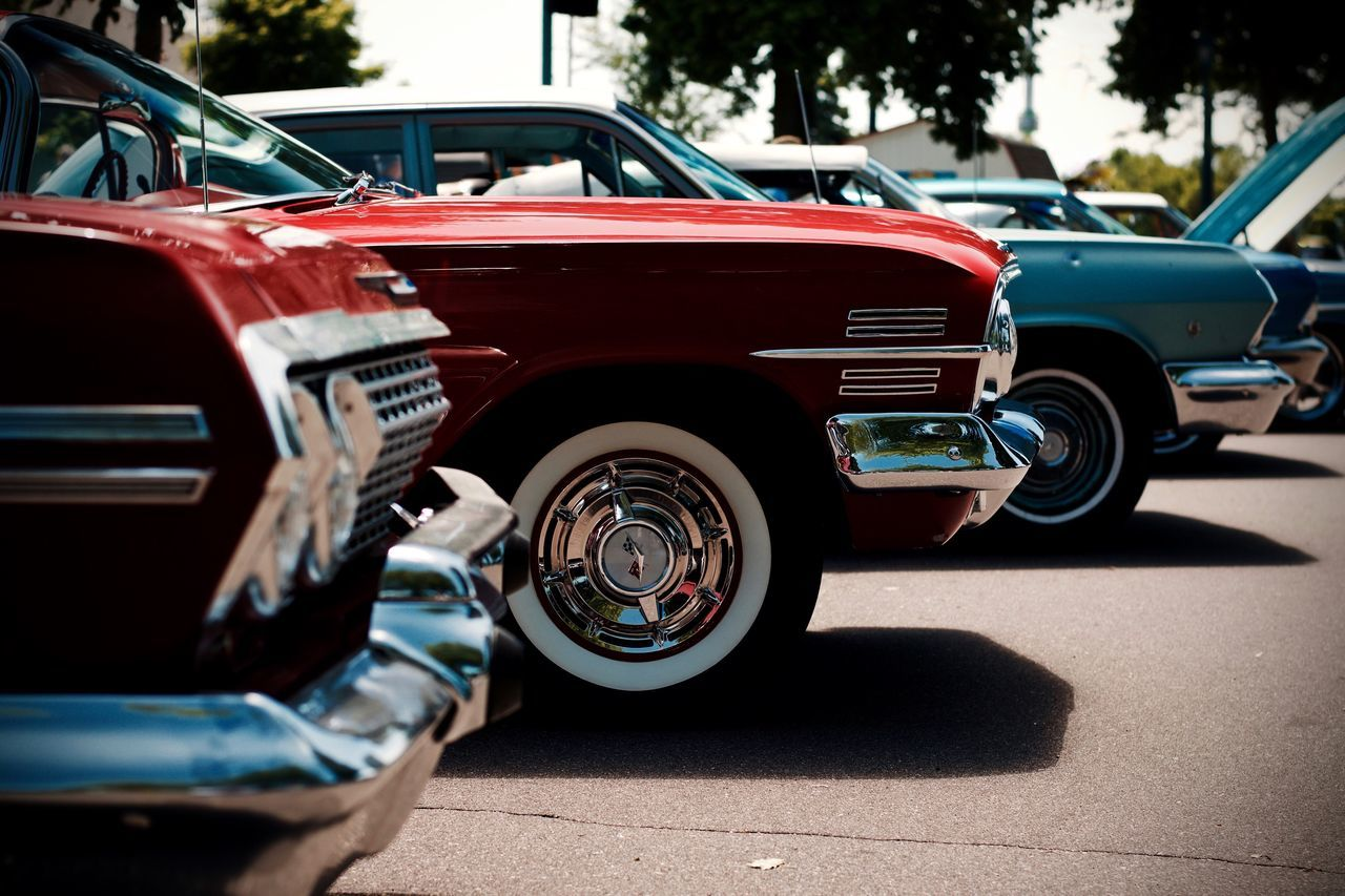 car, transportation, land vehicle, day, mode of transport, red, outdoors, stationary, retro styled, old-fashioned, no people, tire
