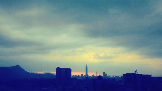 it is a day that coldest ever! First Eyeem Photo Hope Dawn Darkness Sunset Sunshine Broken