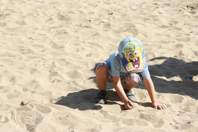 Hi! Cheese! Enjoying Life Barcelona Playing Beach Life Funny Pics Bob Children Moment